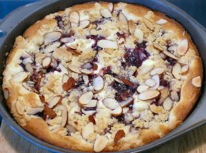 raspberry_almond_crumb_cake_zoom